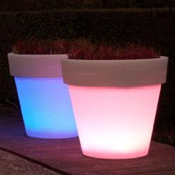Macetas con luz led macetas jardineras y maceteros - Macetas luminosas ...